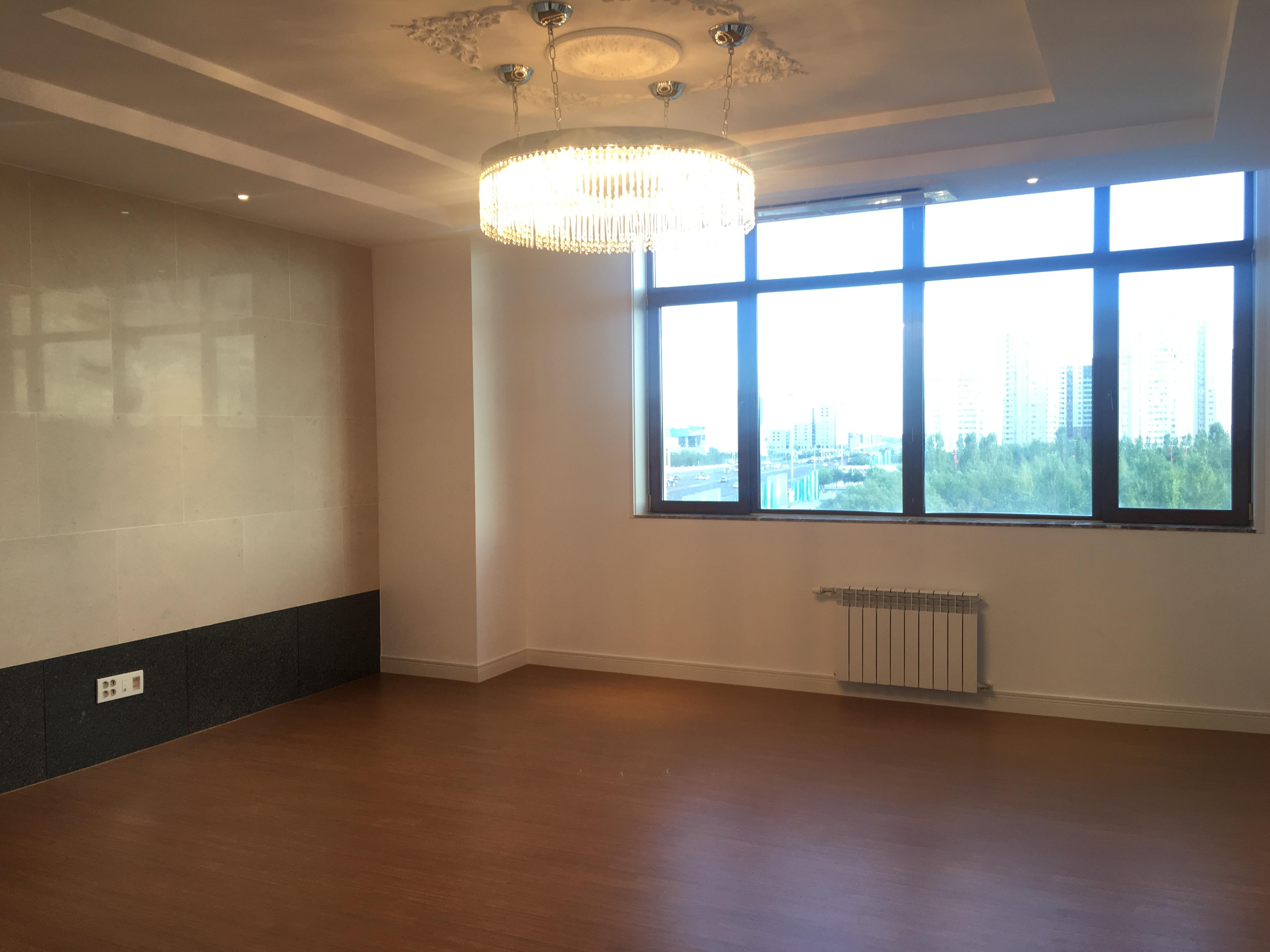 3-Bedroom Apartment In Highvill